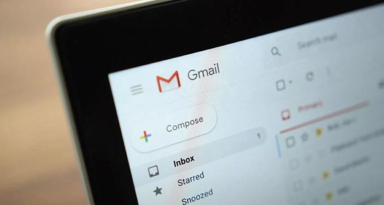 Google ลบการเสนอคำนำหน้าเกี่ยวกับเพศออกจาก Smart Compose เพื่อป้องกันความผิดพลาดจาก AI